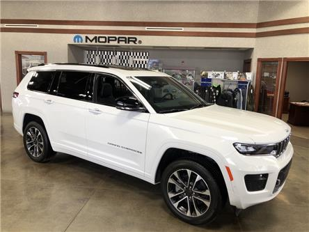2021 Jeep Grand Cherokee L Overland (Stk: 5M172) in Medicine Hat - Image 1 of 18