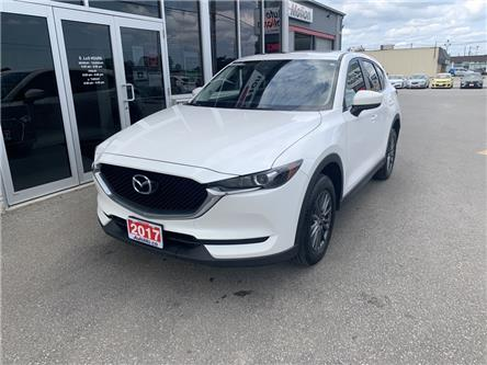 2017 Mazda CX-5 GS (Stk: 211290) in Chatham - Image 1 of 14