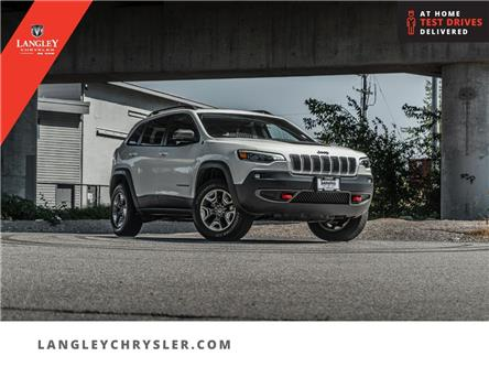2019 Jeep Cherokee Trailhawk (Stk: M143733A) in Surrey - Image 1 of 27
