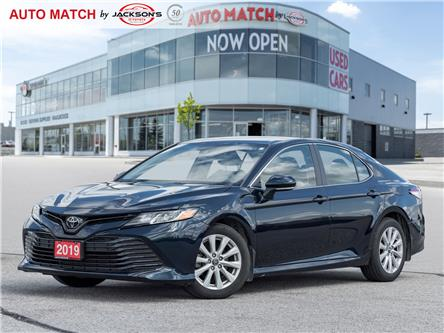 2019 Toyota Camry LE (Stk: U3817A) in Barrie - Image 1 of 20
