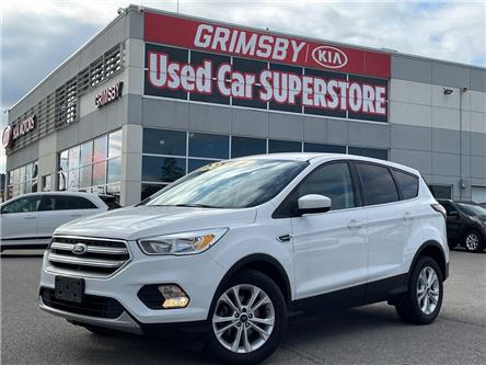 2017 Ford Escape SE   LOW KMs!   Backup Cam   Bluetooth (Stk: U2100) in Grimsby - Image 1 of 23