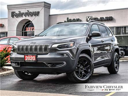 2020 Jeep Cherokee Trailhawk (Stk: U18930) in Burlington - Image 1 of 32