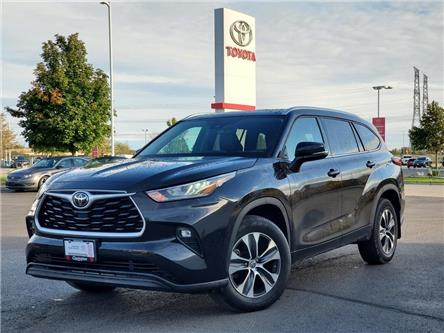 2020 Toyota Highlander XLE (Stk: 21610A) in Bowmanville - Image 1 of 30
