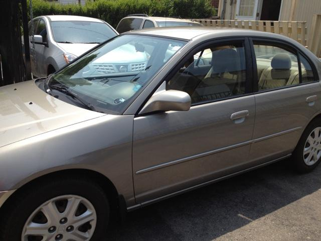 2003 Honda Civic LX (Stk: -) in Toronto, Ajax, Pickering - Image 1 of 1
