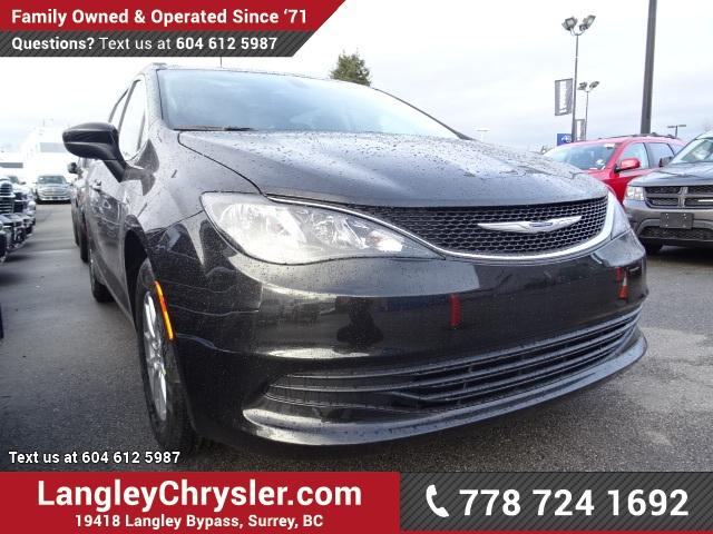 2017 Chrysler Pacifica LX (Stk: H683075) in Surrey - Image 1 of 10