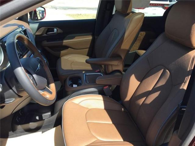 2017 Chrysler Pacifica Limited (Stk: QT053) in  - Image 7 of 9