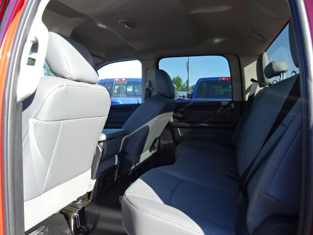 2017 RAM 1500 ST (Stk: H721539) in Surrey - Image 4 of 8