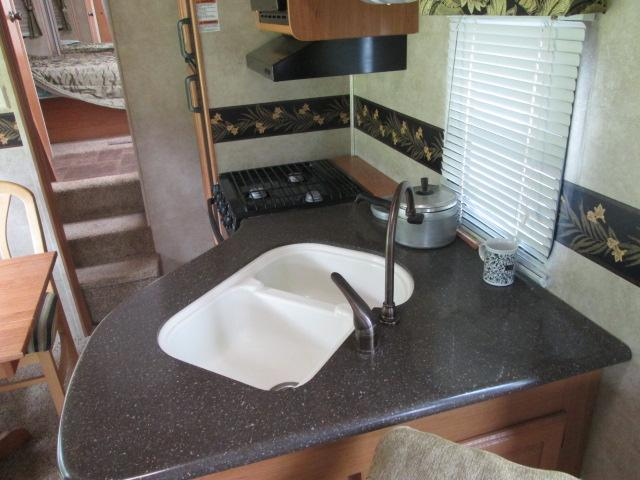 2011 Keystone LAREDO 5TH WHEEL  (Stk: 20257) in Pembroke - Image 2 of 10