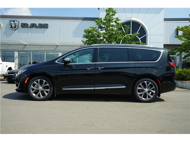 2017 Chrysler Pacifica LX (Stk: 171690) in Thunder Bay - Image 2 of 7