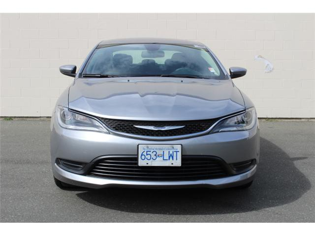 2016 Chrysler 200 LX (Stk: N162935A) in Courtenay - Image 2 of 26