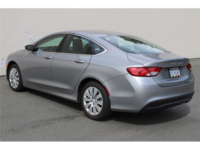 2016 Chrysler 200 LX (Stk: N162935A) in Courtenay - Image 5 of 26
