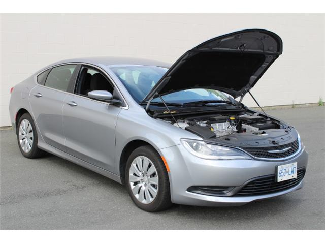 2016 Chrysler 200 LX (Stk: N162935A) in Courtenay - Image 9 of 26