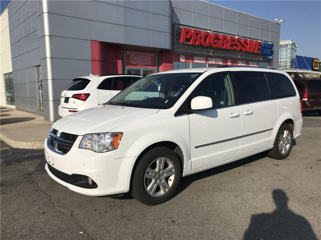2017 Dodge Grand Caravan Crew (Stk: HR600718) in Sarnia - Image 1 of 11