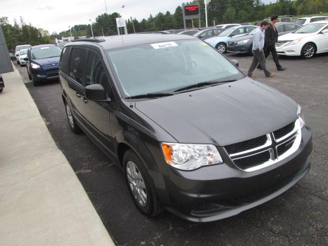 2017 Dodge Grand Caravan CVP/SXT (Stk: 20530) in Pembroke - Image 2 of 9