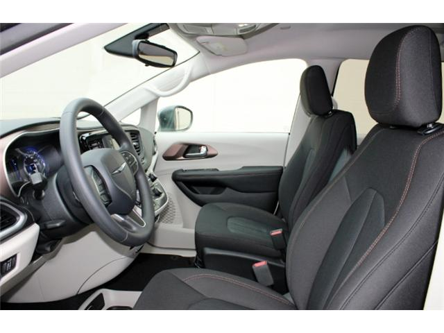 2017 Chrysler Pacifica LX (Stk: R719870A) in Courtenay - Image 12 of 29