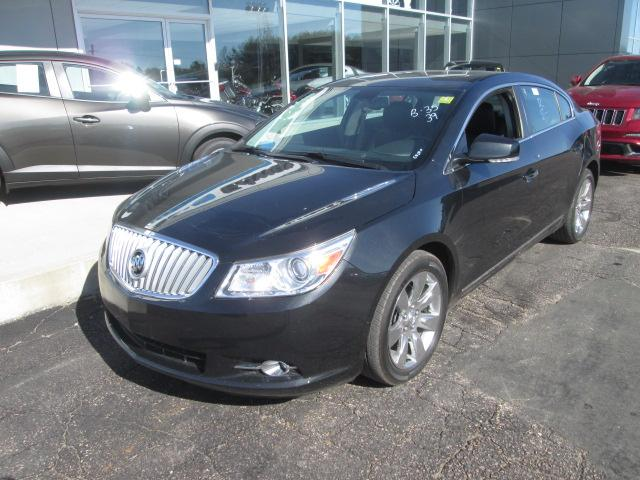 2012 Buick LaCrosse Ultra Luxury Group (Stk: 20561) in Pembroke - Image 2 of 10