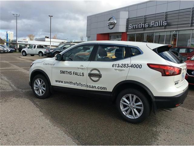 2017 Nissan Qashqai SV (Stk: 17-427) in Smiths Falls - Image 2 of 13