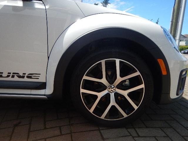 2017 Volkswagen Beetle 1.8 TSI Dune (Stk: HB625397) in Surrey - Image 19 of 22