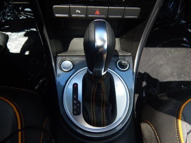 2017 Volkswagen Beetle 1.8 TSI Dune (Stk: HB625397) in Surrey - Image 12 of 22