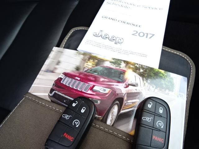 2017 Jeep Grand Cherokee Limited (Stk: EE887320) in Surrey - Image 11 of 29