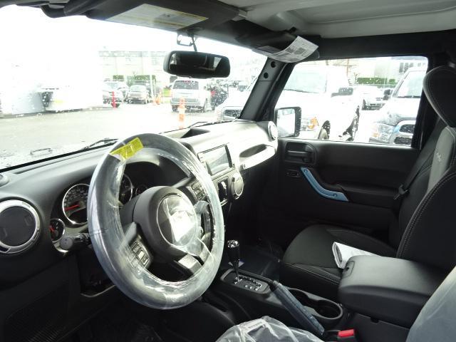 2018 Jeep Wrangler JK Unlimited Sahara (Stk: J820709) in Surrey - Image 3 of 8
