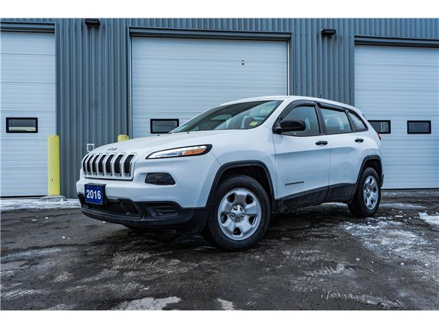 2016 Jeep Cherokee Sport (Stk: 1810491) in Thunder Bay - Image 1 of 7