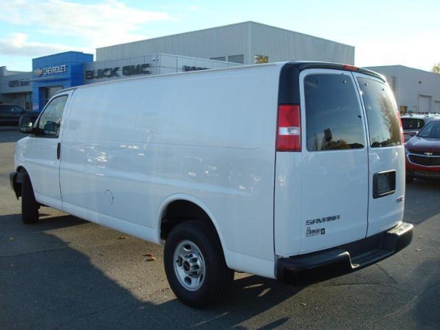 2017 GMC Savana 2500 Work Van (Stk: TG37149) in Cranbrook - Image 2 of 13