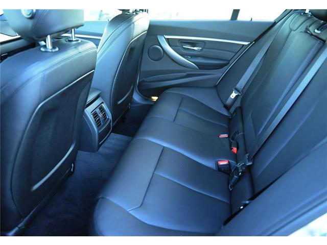 2018 BMW 330 i xDrive (Stk: 8U68143) in Brampton - Image 8 of 12