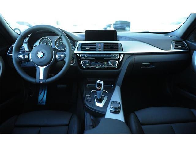 2018 BMW 330 i xDrive (Stk: 8U68143) in Brampton - Image 9 of 12