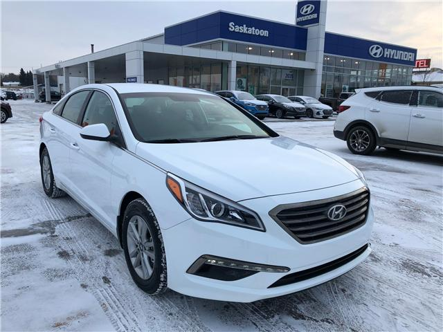 2017 Hyundai Sonata GL (Stk: 37624) in Saskatoon - Image 1 of 25