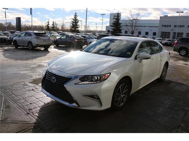 2018 Lexus ES 300h Base (Stk: 180051) in Calgary - Image 2 of 7