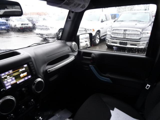 2018 Jeep Wrangler JK Unlimited Sahara (Stk: J810232) in Surrey - Image 8 of 13