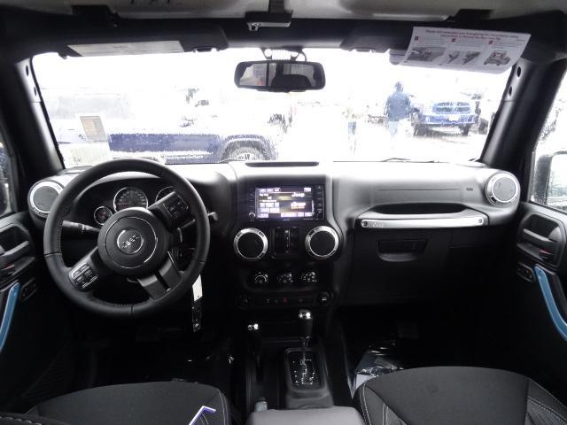 2018 Jeep Wrangler JK Unlimited Sahara (Stk: J810232) in Surrey - Image 11 of 13