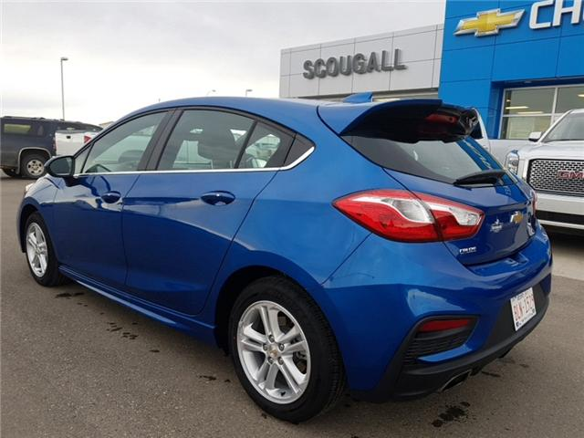 2017 Chevrolet Cruze Hatch LT Auto (Stk: 179330) in Fort Macleod - Image 2 of 23
