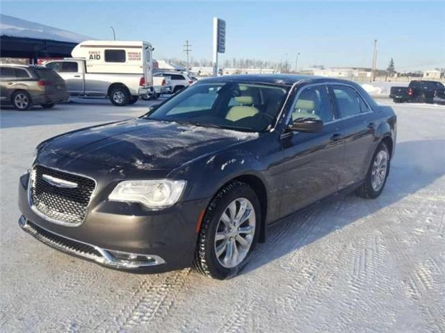 2016 Chrysler 300 Touring (Stk: QU008) in  - Image 2 of 18