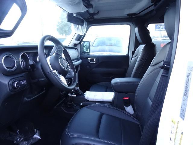 2018 Jeep Wrangler Unlimited Sahara (Stk: J104741) in Surrey - Image 10 of 16