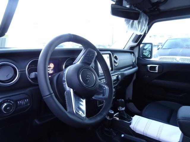 2018 Jeep Wrangler Unlimited Sahara (Stk: J104741) in Surrey - Image 11 of 16
