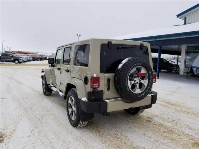 2017 Jeep Wrangler Unlimited Sahara (Stk: QT236) in  - Image 8 of 17
