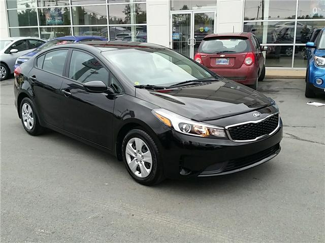 2017 Kia Forte LX (Stk: U914) in Bridgewater - Image 1 of 19