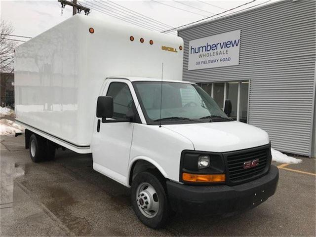 2015 GMC Savana Cutaway 3500 1WT (Stk: 1GD374) in Etobicoke - Image 2 of 6