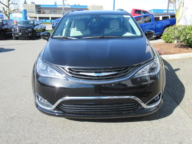2018 Chrysler Pacifica Hybrid Touring-L (Stk: J126839) in Surrey - Image 2 of 20