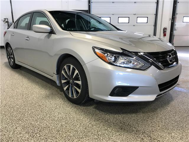 2017 Nissan Altima 2.5 SV (Stk: P11404) in Calgary - Image 2 of 10