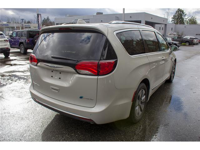 2017 Chrysler Pacifica Hybrid Platinum (Stk: H779191) in Abbotsford - Image 7 of 30
