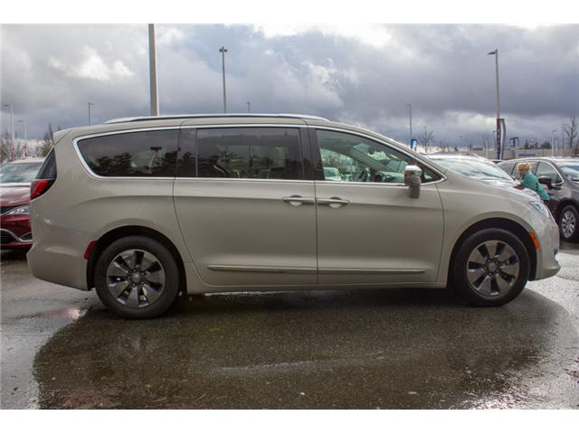 2017 Chrysler Pacifica Hybrid Platinum (Stk: H779191) in Abbotsford - Image 8 of 30