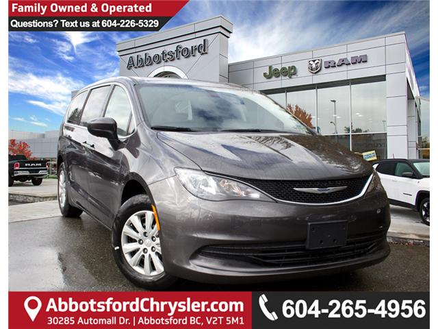 2018 Chrysler Pacifica LX (Stk: J105030) in Abbotsford - Image 1 of 28