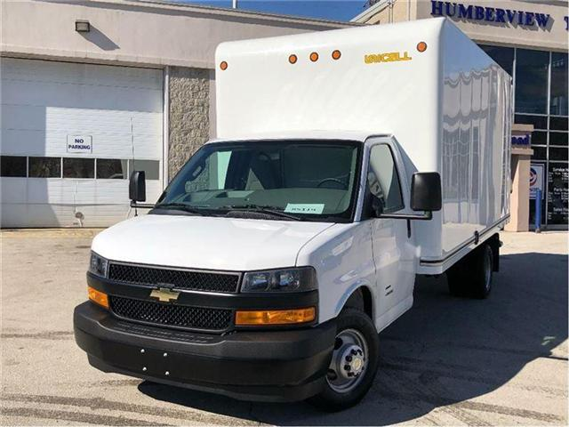 2018 Chevrolet 4500 New Chev. Express Cube 16' Body & Walk-Ramp (Stk: ST85119) in Toronto - Image 1 of 15