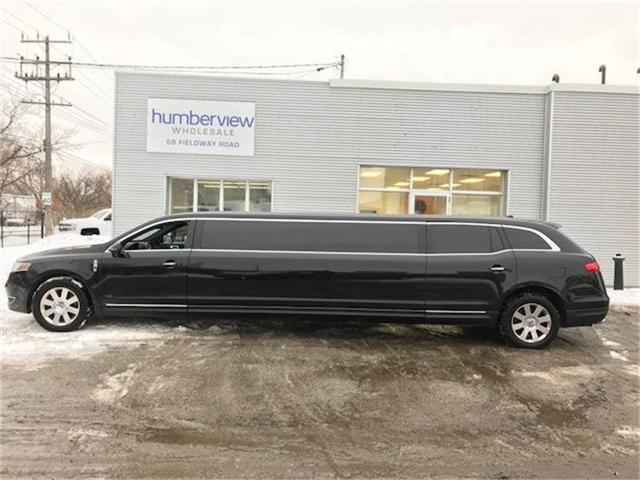 2015 Lincoln MKT Limo/Hearse (Stk: 2L1MJ5) in Etobicoke - Image 1 of 9