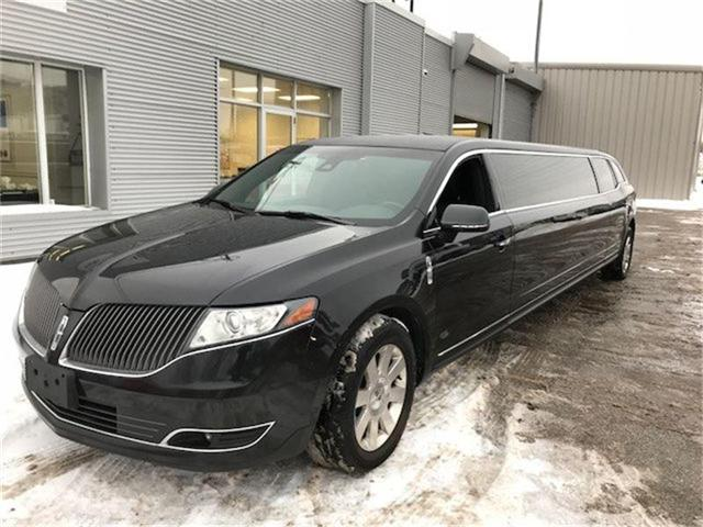 2015 Lincoln MKT Limo/Hearse (Stk: 2L1MJ5) in Etobicoke - Image 2 of 9