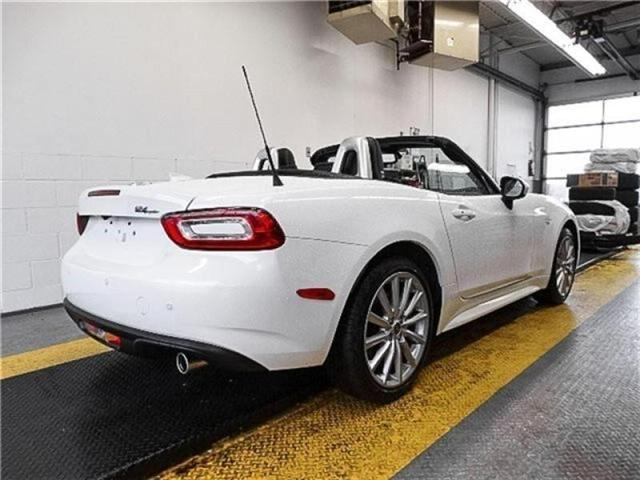 2017 Fiat 124 Spider Lusso (Stk: 5072510) in Burnaby - Image 2 of 17