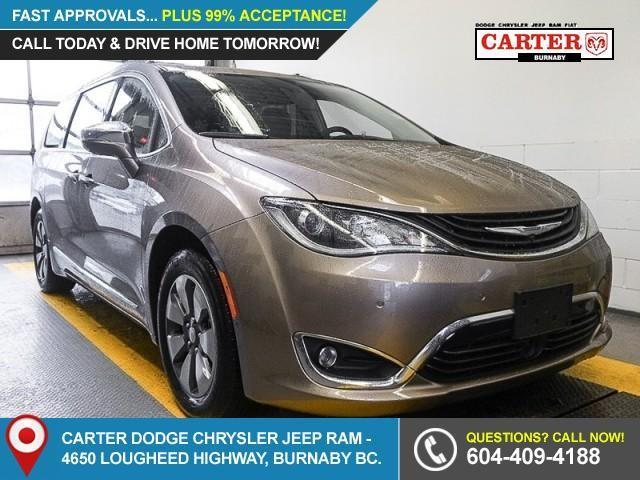 2018 Chrysler Pacifica Hybrid Limited (Stk: W184560) in Burnaby - Image 1 of 6